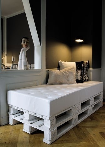 meuble en palette 15 id es cr atives bricobistro. Black Bedroom Furniture Sets. Home Design Ideas