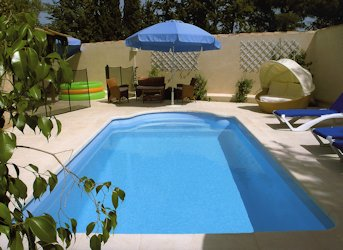 Comment construire sa piscine bricobistro for Piscine coque polyester avantages