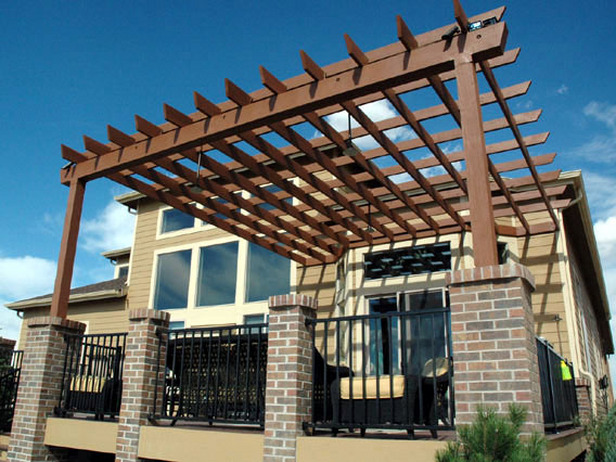 Comment construire une pergola bricobistro for Plans de pergola