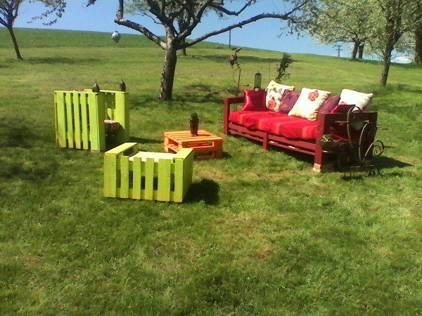 salon de jardin en palette de bois bricobistro. Black Bedroom Furniture Sets. Home Design Ideas