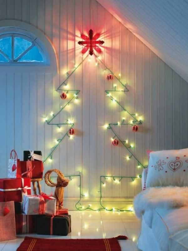 light-wall-christmas-tree