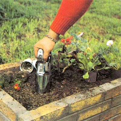 comment fabriquer une jardini re en briques bricobistro. Black Bedroom Furniture Sets. Home Design Ideas