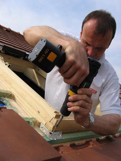 Comment poser une fen tre de toit bricobistro for Poser une fenetre de toit