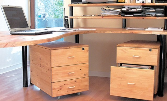 comment fabriquer un bureau avec des caissons bricobistro. Black Bedroom Furniture Sets. Home Design Ideas
