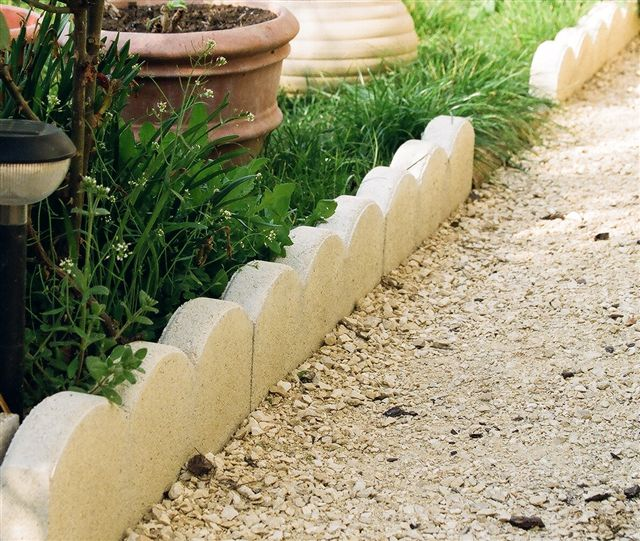 Comment r aliser des bordures de jardin solides for Bordure de jardin en bois brico depot