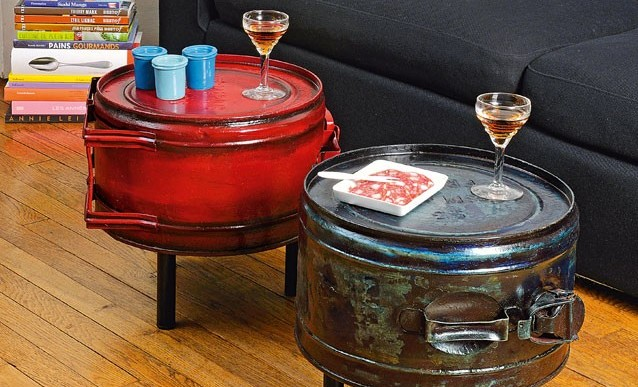 Recyclage comment transformer des bidons en tables basses - Transformer une table en bois ...