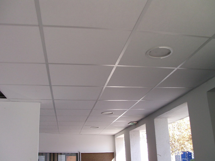 Comment r aliser un faux plafond bricobistro for Ossature faux plafond