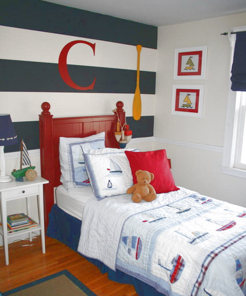 conseils d co pour une chambre coucher bleu marine. Black Bedroom Furniture Sets. Home Design Ideas