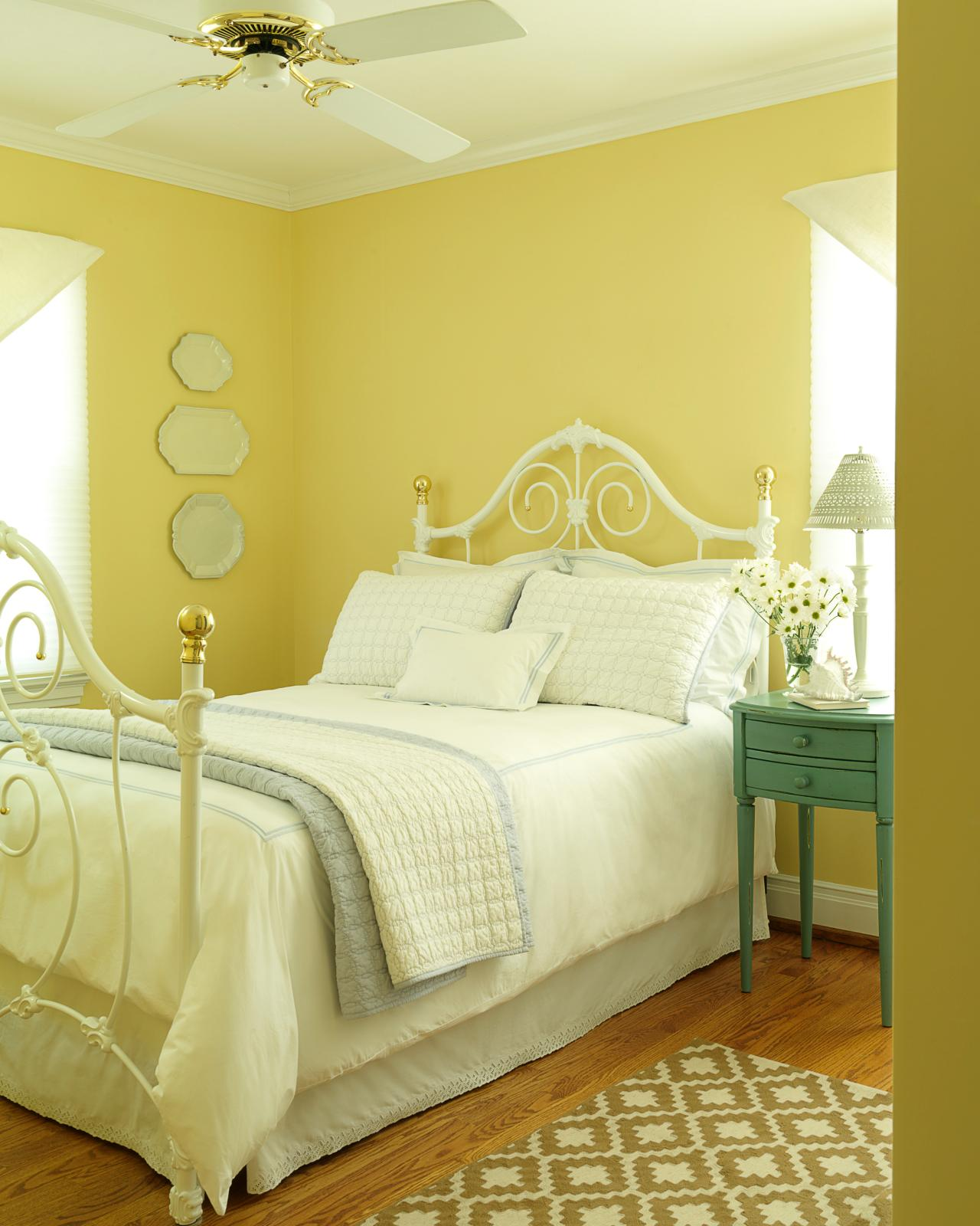conseils d co quel ton de jaune pour la chambre. Black Bedroom Furniture Sets. Home Design Ideas