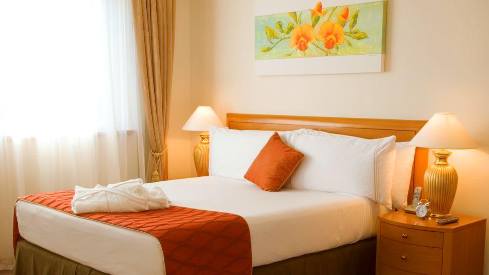 conseils d co une chambre coucher orange bricobistro. Black Bedroom Furniture Sets. Home Design Ideas