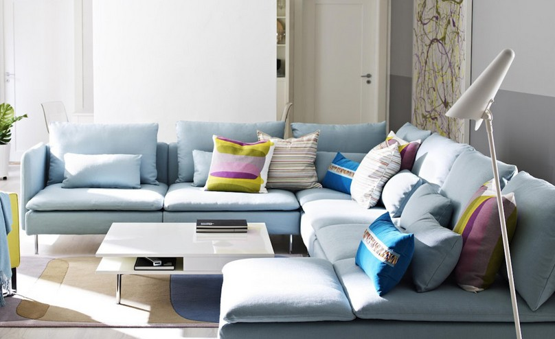 light blue living room furniture 10 astuces pro pour assortir ou d 233 pareiller des coussins 20108