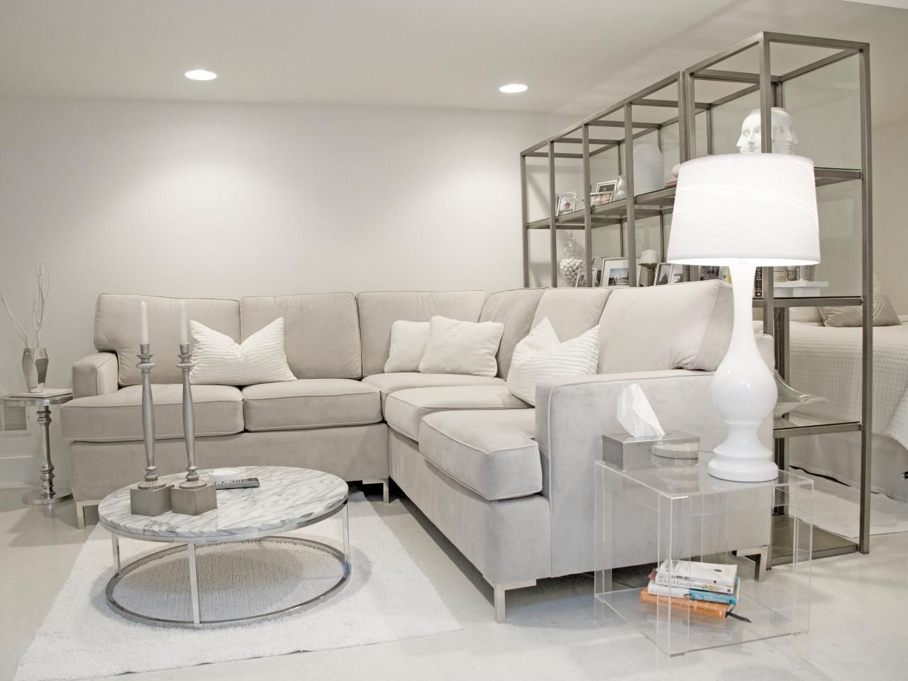 Le gris tendance ph m re ou classique ind modable for Grey and white living room designs