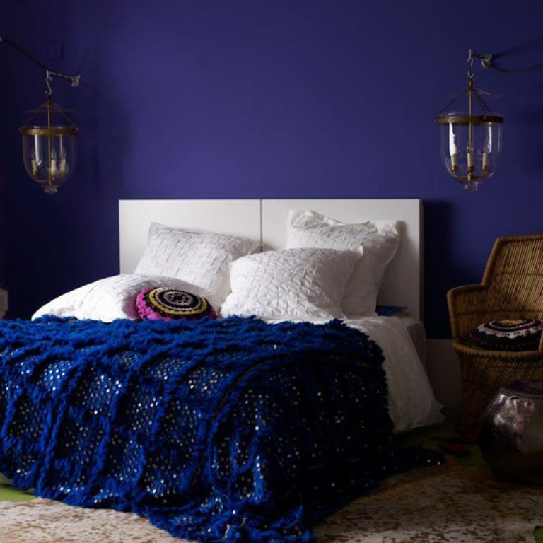 chambre bleu marine chambre bleu canard v saint denis. Black Bedroom Furniture Sets. Home Design Ideas
