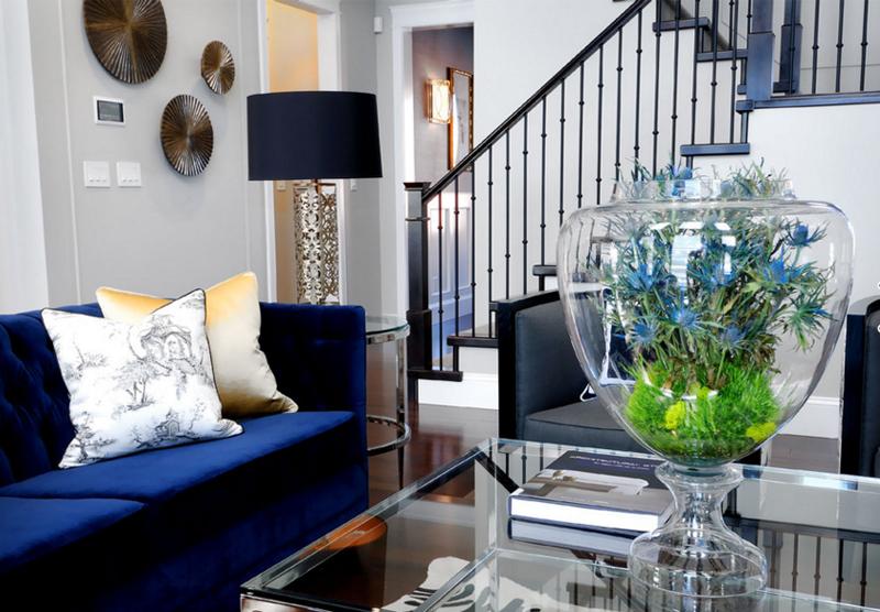 10 Designs De Salons Inspirants En Bleu Marine Et Doré Bricobistro