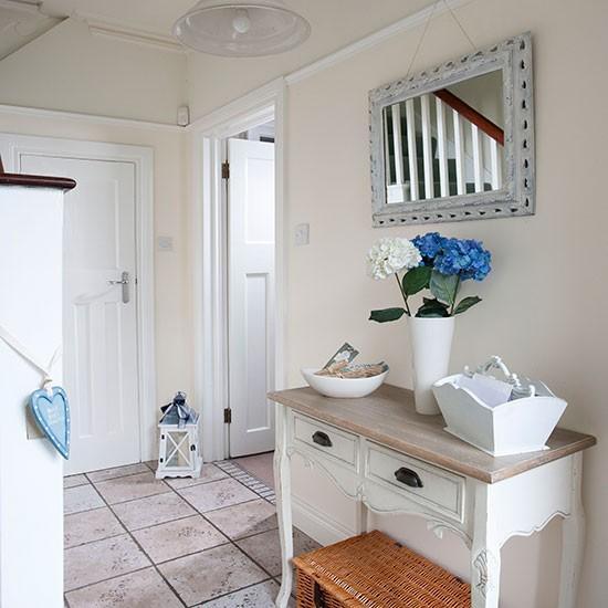 12 id es de d co naturelle et accueillante pour relooker votre couloir bricobistro. Black Bedroom Furniture Sets. Home Design Ideas