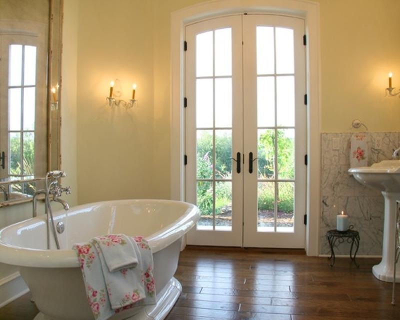 11 superbes salles de bain au style french country for French style bathroom design
