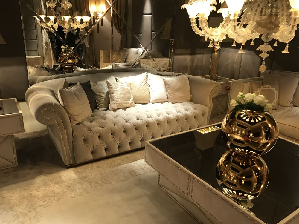 comment diff rencier les meubles style baroque et rococo bricobistro. Black Bedroom Furniture Sets. Home Design Ideas