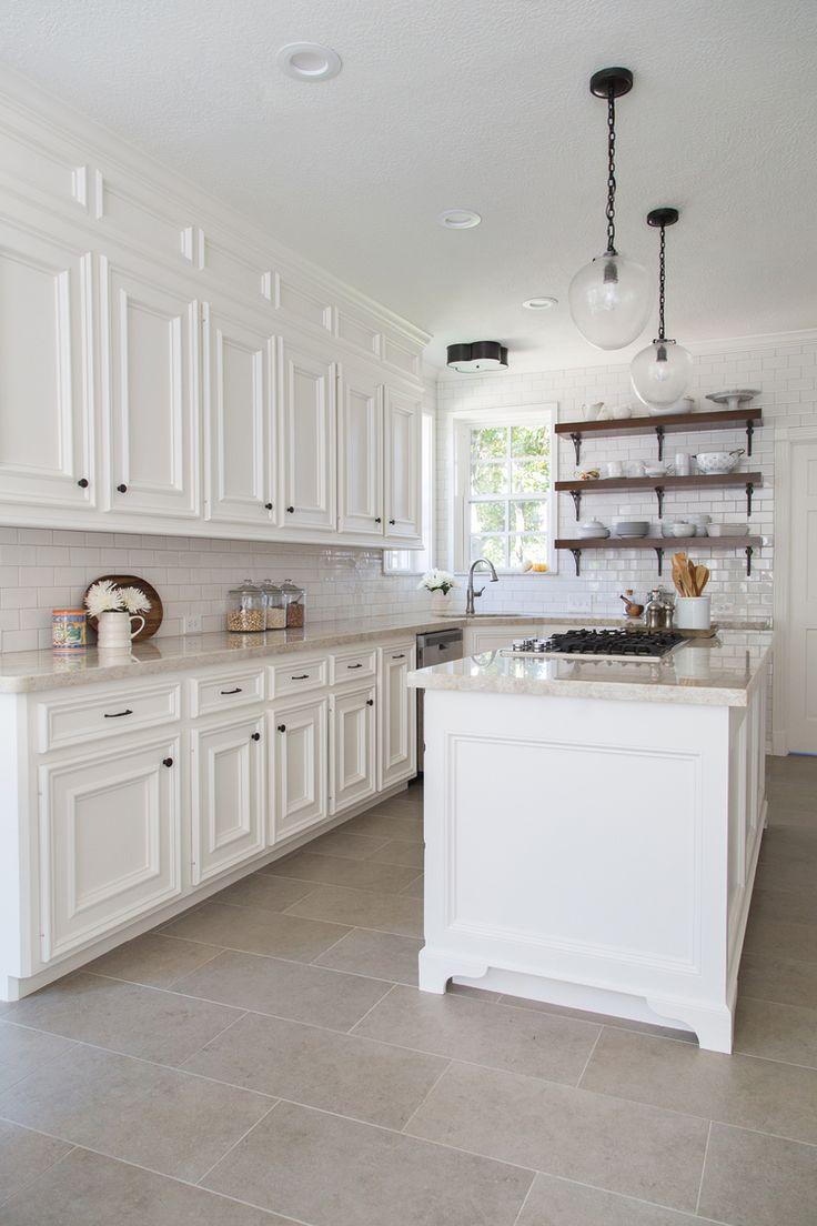 carrelage gros carreaux mosaique pour salle de bain une. Black Bedroom Furniture Sets. Home Design Ideas